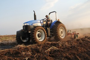 Farming Tractor & Supplies. Laeveld Trekkers/Lowveld Tractors